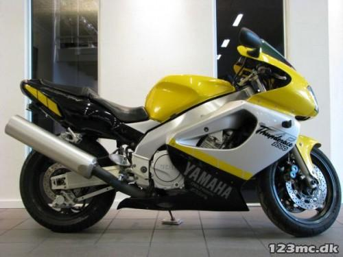Yamaha YZF 1000 R
